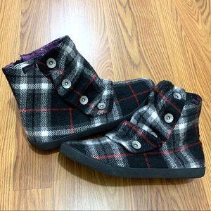 Blowfish Plaid Flannel Hobbit Ankle Boots ❤️
